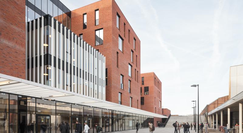 Nouveaux complexe scolaire et halle omnisport